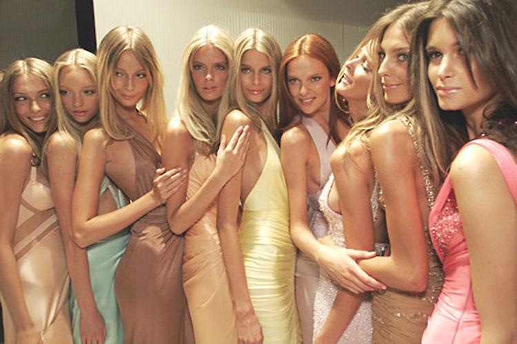 Gianni Versace-Versus Show, 2005